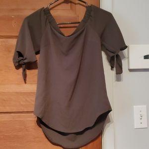 Naked shoulder t-shirt